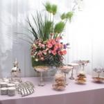 Mesa de cafe com Samovar, Xicaras e pecas de vidro