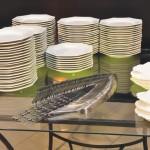 Pratos garfos facas mesa